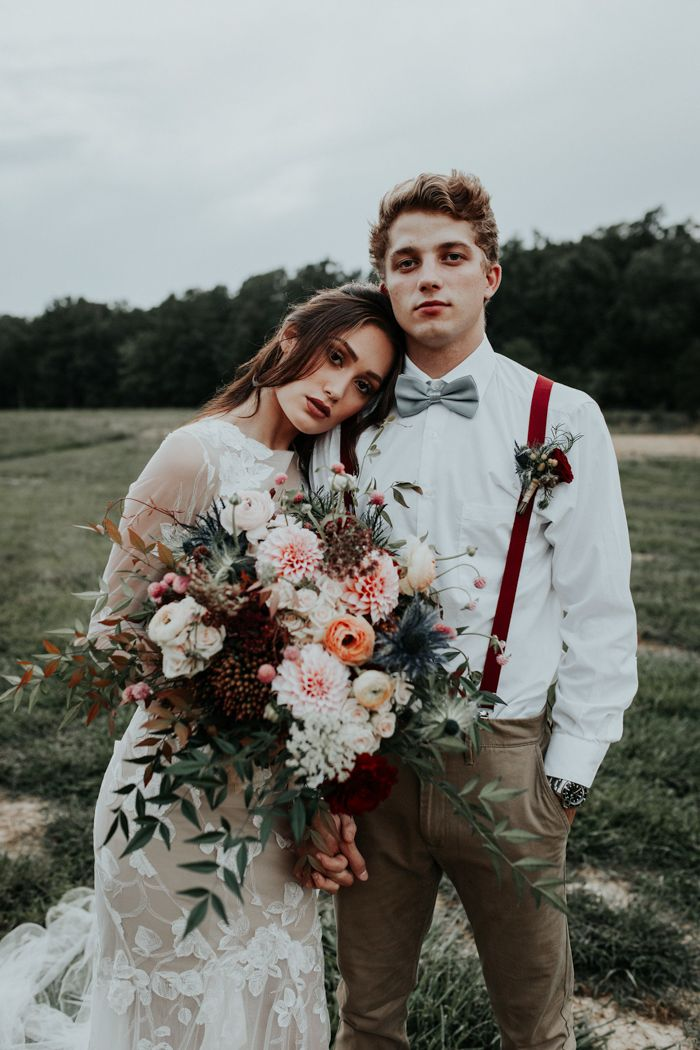 This wedding inspo is filled with boho and fall trends that we know you'll love! | Image by Aly Barnett Photography