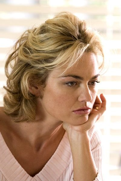 I find her absolutely striking ... Kelly Carlson