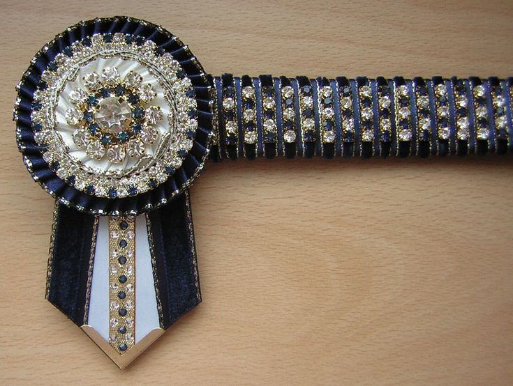 My Aunty didn't make this one but she makes amazing browbands for a living, so if you are looking to buy one visit her facebook page (Brooklea Browbands)