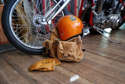 Loser machine company, panhead 1949, leather backpack, wooden floor, Harley Davidson