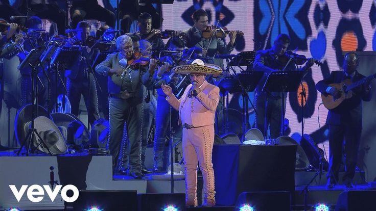 Vicente Fernández - Qué de Raro Tiene (En Vivo [Un Azteca en el Azteca])