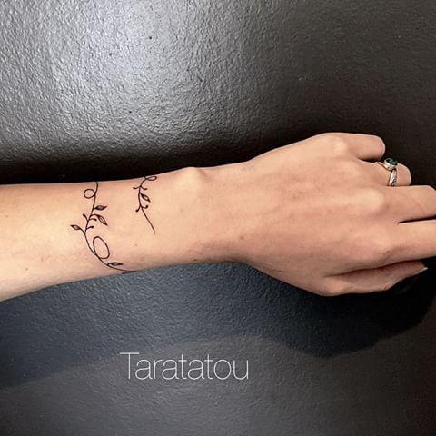 10 id es propos de plan tes tatouages sur pinterest tatouages espace tatouage avec l - Tatouage systeme solaire ...