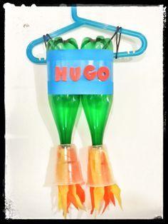 Y'a Maman à la maison: Anniversaire de l'espace #spaceparty des 4 ans - côté jeuxles bouteilles turbo fusée