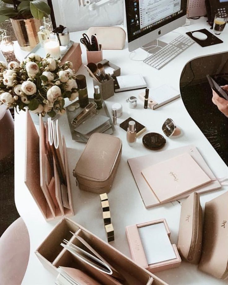 ✔️ 2018 goal : Make my desk as good looking as this one  who knows , with such a beautiful work area I might become an organised person one day  / shop personalised leather accessories via @thedailyedited www.thedailyedited.com //