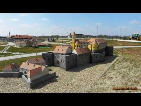(10) Mini Hungary Park - Mórahalom.  /Hungarian folk song and music/ - YouTube