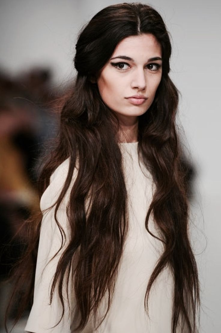 Brunettes with dark long hair pictures countess