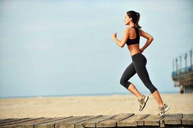 In einer Studie belegten dänische Wissenschaftler, dass ein 30-Minuten-Workout den gleichen Einfluss auf das Gewicht und die Körpermasse hat, wie ein 60-Minuten-Workout.