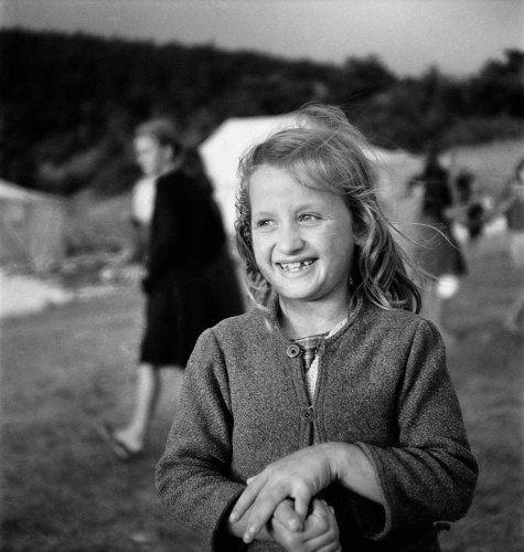 Πορτραίτο κοριτσιού σε κατασκήνωση. 1945-1946 Βούλα Θεοχάρη Παπαϊωάννου