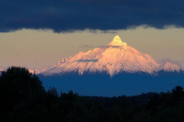 Vistas del Volcan Corcovado - Quellon (Chiloe) by Noelegroj( Patagonia Without Dams), via Flickr