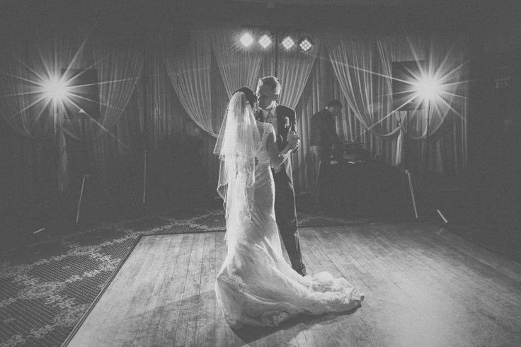 Alexander Weddings – Photography at La Mon Hotel & Country Club, Belfast, Northern Ireland.