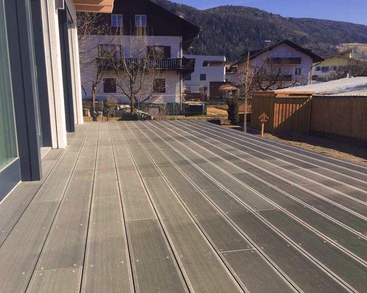 outdoor floor, 100% recyclable. Pavimento esterno naturale prodotto senza l'abbattimento di Nessun Albero, interamente con materiale riciclabile. #nature #wood #recyclable