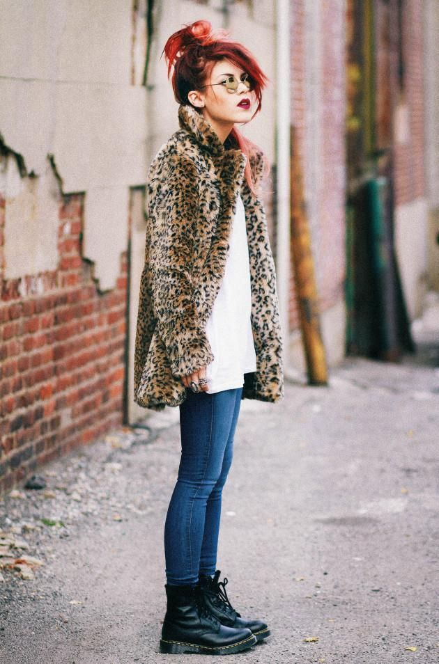 Lua From Le Happy In The Nasty Gal Cat Skills Coat (www.nastygal.com/…), Perfect Ten Skinny Jeans (www.nastygal.com/…)