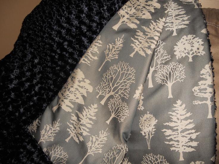 Reversable throw blanket - black forest