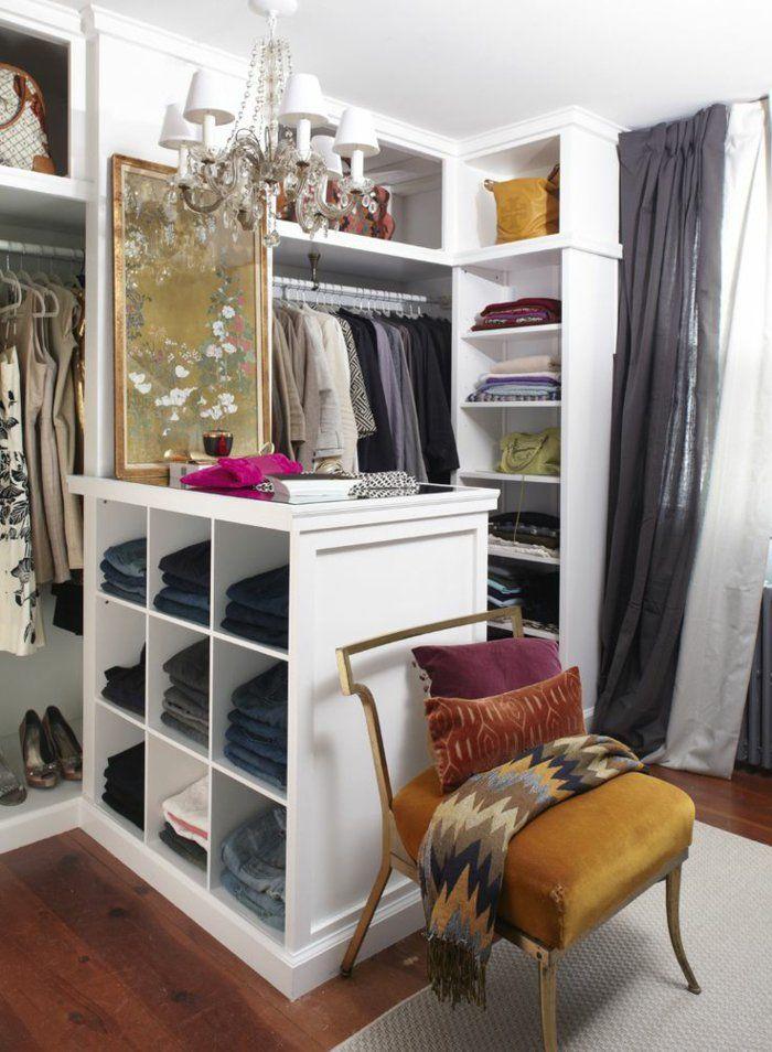 aménager un dressing, penderie et meuble colonne, étagère centrale