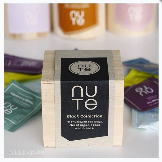 Our best black blends in a little wooden box ◾️ #blacktea #giftbox #organic #tea #blackcollection #nute #nuteorganic #photocredit @hildurorganic