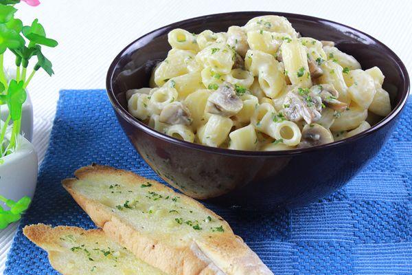 Macaroni & Cheese with Corn & Mushrooms - Burgundy Box