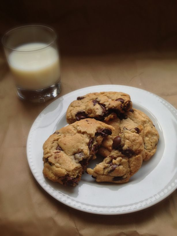 Jacques Torres Chocolate Chip Cookies via: Chez CateyLou big cookies ...