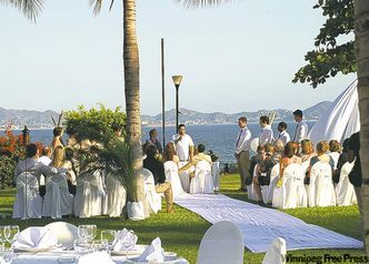 Destination weddings in Manzanillo are extremely popular.