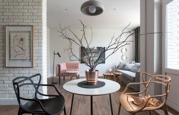 Дизайнер Катерина Сизова оформила студию для своей подруги: открытый план, светлые стены, минимум мебели. Идеально для вечеринок!