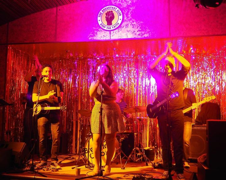 #loved the #vibe at @thebrekkyclub. My #ukulele #band went down really well. If anyone from #thebreakfastclub see this #please #invite us back! @canary___wharf #london #thisislondon #toplondonphoto #brekkyclub #uke #ukuleleband #coversband #entertainment #corporate #corporateevent #partyband #photojournalism @koasound #koasound #eastlondon #olympuspenf #olympus #music #weddingband by duncankelman