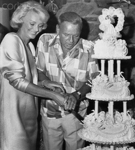 Frank & Barbara Sinatra cutting wedding Cake with His Wife-1978