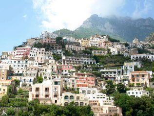すぐに行きたい! 達人推奨、世界の絶景リゾート5選|トラベル|NIKKEI STYLE アマルフィ海岸ポジターノの美に酔いしれる 「レ・シレヌーゼ」 Le Sirenuse イタリア/アマルフィ