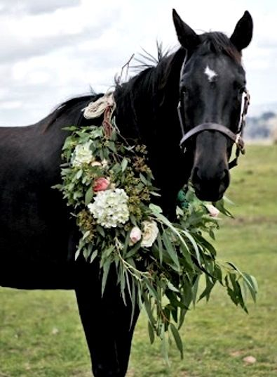 how to make horse garlands
