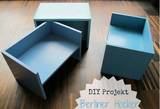 Der Berliner Hocker von Van Bo Le-Metzel ist ein variables Möbelstück und je nach Bedarf Hocker, Tisch oder Regal.