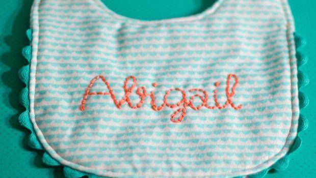 Schemi per bavaglini per neonato da ricamare