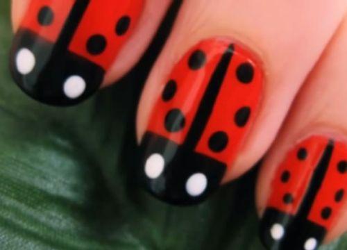 20 Cute Nail Polish Design Ideas   http://www.cberryonline.com/2014/06/20-cute-nail-polish-design-ideas/