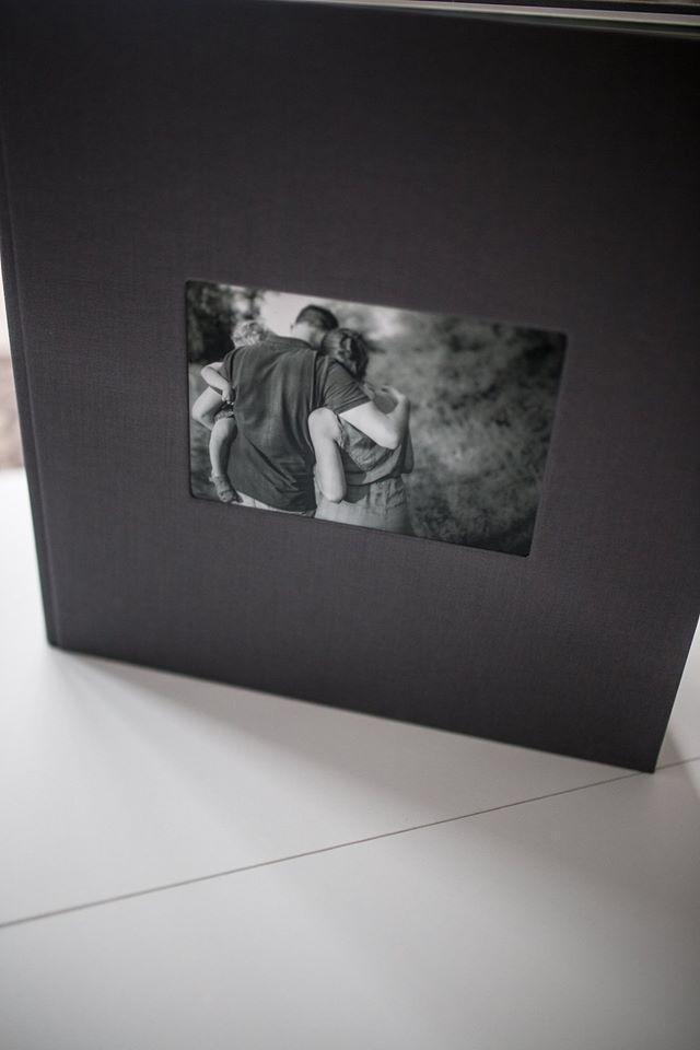 Wspomnienia z rodzinnej sesji w postaci wyjątkowych ujęć zostały zachowane w kartach naszego fotoalbumu <3 Okiem Krysi dziękujemy za inspiracje ;)