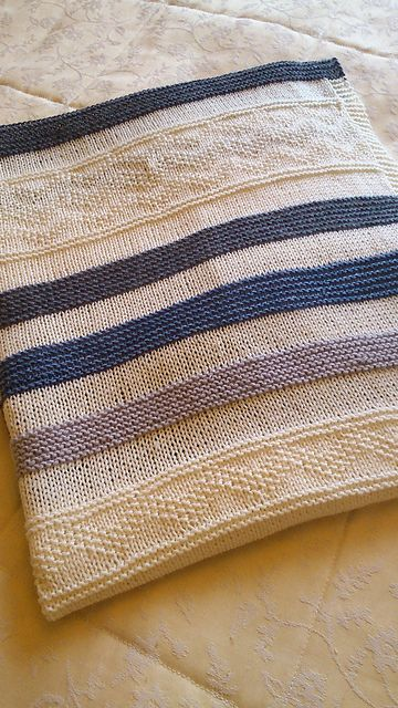 Ravelry: Alexander's Blanket pattern by Auroraknit