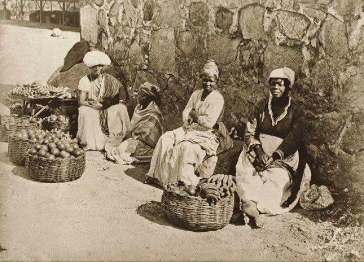 Quitandeiras em rua do Rio de Janeiro, 1875 (Marc Ferrez/Acervo Instituto Moreira Salles).