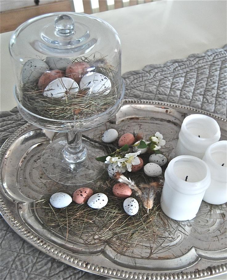 Paasversiering op tafel: eieren in een nestje | Meer paasideeën: http://www.jouwwoonidee.nl/trends-pasen-2014/