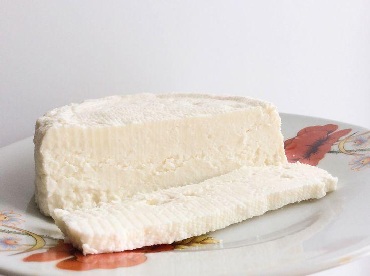 Домашний адыгейский сыр - пошаговый рецепт с фото: Самый простой рецепт. - Леди Mail.Ruмолоко коровье  2000 мл лимон  1 шт. соль  по вкусу