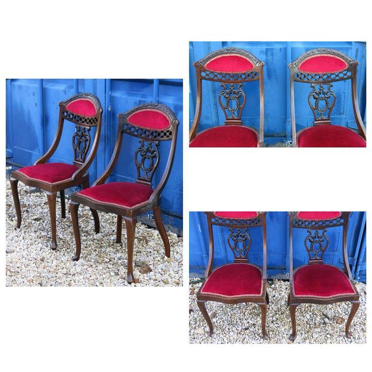 Антикварные кресла с ажурной спинкой и гнутыми ножками.Размеры: 44cm / 40cm, H89cm; высота сиденья от земли H42cm. Европа, ХХ век  34 000р за пару (можно по отдельности, 18 000р за шт.