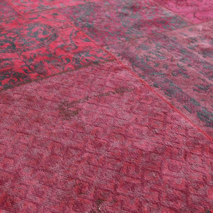 Tapijt Carpet Rood  Description: Het Tapijt Carpet van By-Boo is een prachtig decoratief item dat je interieur helemaal compleet maakt! Het heeft een afmeting van 200 bij 300 cm en een heel uniek dessin. Dit tapijt is een echte blikvanger en zal je meubels nog beter tot hun recht laten komen. Leg het in de woonkamer onder je salontafel neer of in de slaapkamer aan het voeteneinde van je bed. Met dit unieke tapijt van By-Boo geef je je interieur gegarandeerd een nieuwe impuls.  Price: 349.00…