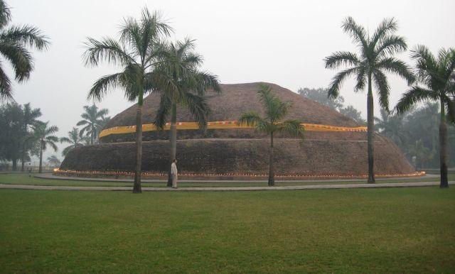 Ramabhar stupa, Kushinagar.  Place of Buddha's cremation.