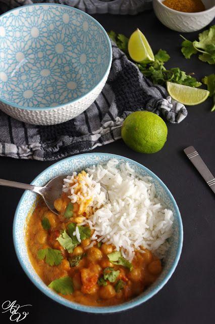 L'année dernière je suis tombée amoureuse de cette recette si facile à faire et Tellementbonne ! Ce curry est goûteuxet plein de saveurs...