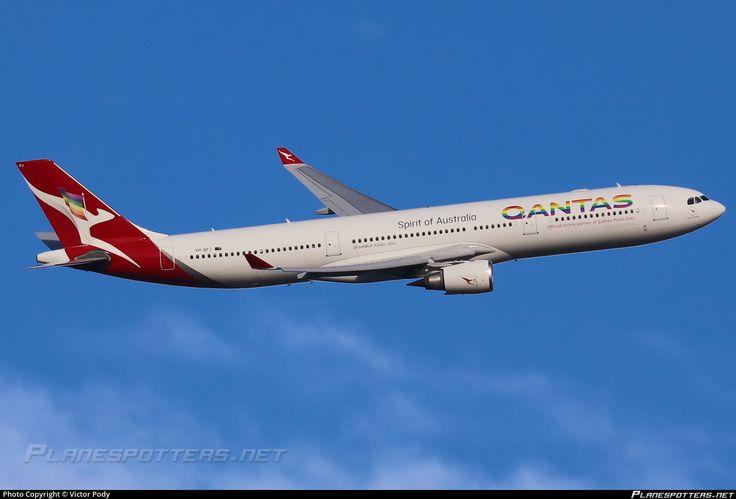 VH-QPJ Qantas Airbus A330-303