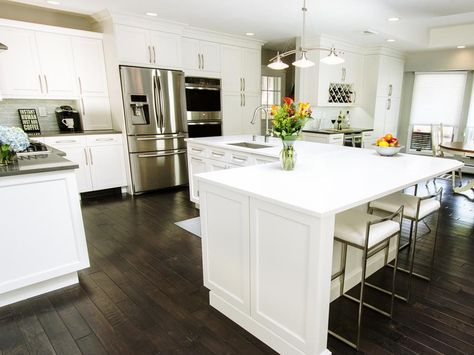 If your L-shaped kitchen could use a new look, get inspired by these before-and-after makeovers.