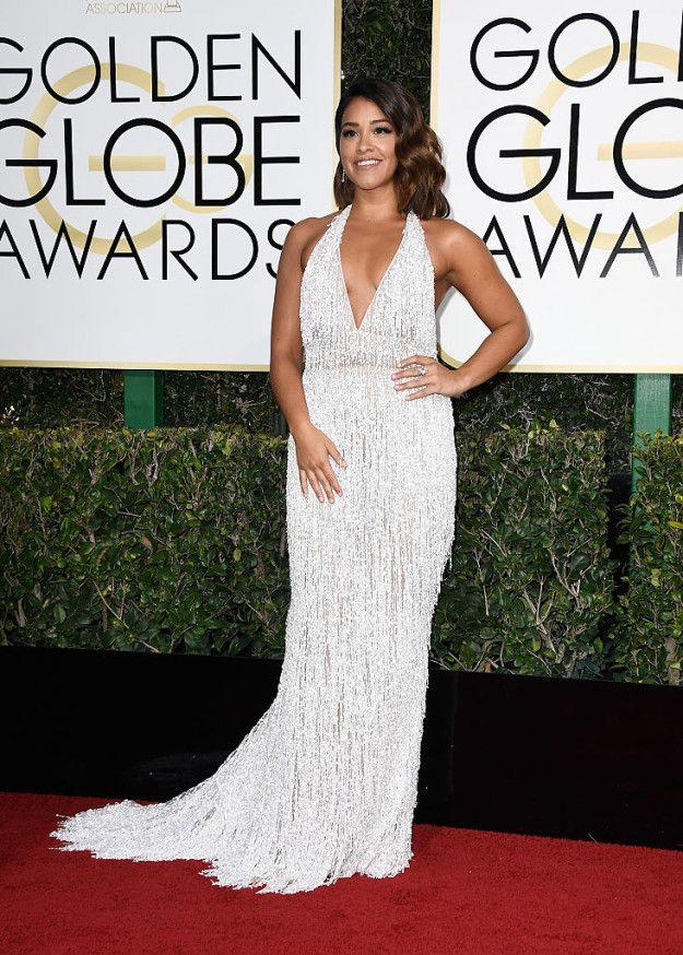 Gina Rodriguez  Voici ce que les stars ont porté sur le tapis rouge des Golden Globes 2017  Frazer Harrison / Getty Images