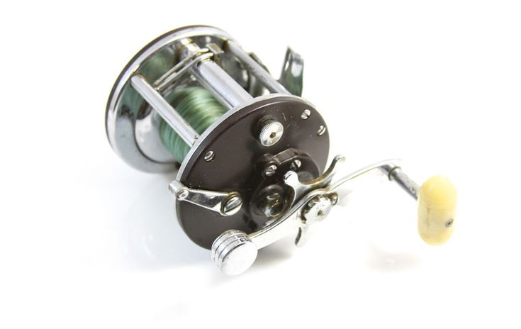 14 best vintage fishing reels images on pinterest for Penn deep sea fishing reels