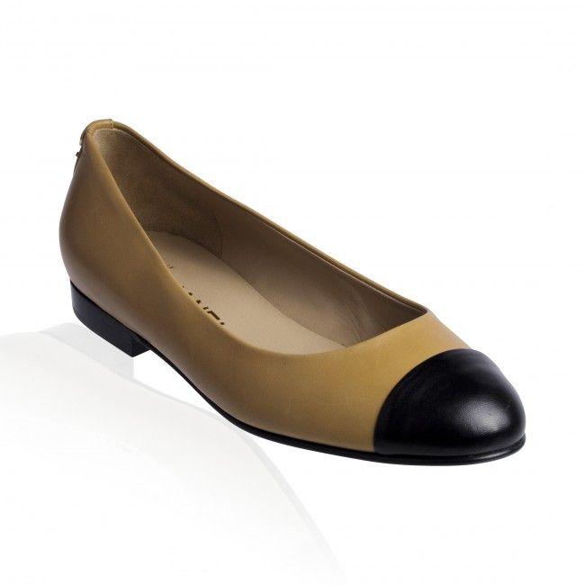 Chanel- Ballerina Flats Beige/Noir Black