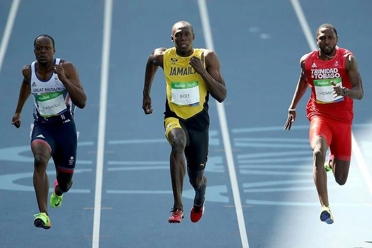 RIO DE JANEIRO, BRAZIL - AUGUST 13: Usain Bolt (C) of Jamaica, Richard Thompson of Trinidad and Tobago and James Dasaolu of Great Britain compete in the Men's 100m Round 1 on Day 8 of the Rio 2016 Olympic Games at the Olympic Stadium on August 13, 2016 in Rio de Janeiro, Brazil. (Photo by Cameron Spencer/Getty Images)