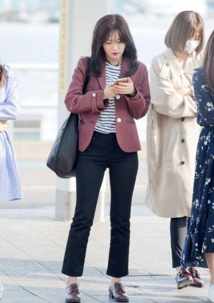 Intip 10 Inspirasi Padupadan Blazer Selain Warna Hitam Buat Gaya Kasual Ala Seleb Korea