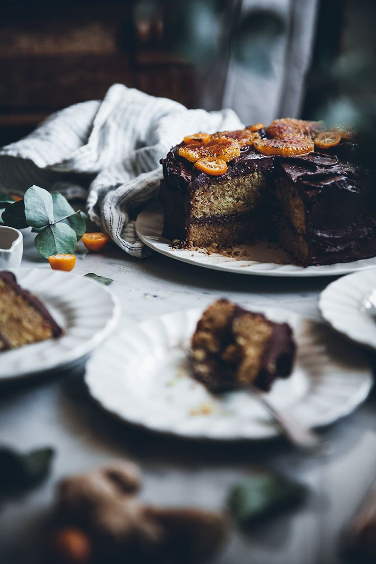 pastel de jengibre cítricos con cobertura de chocolate miel