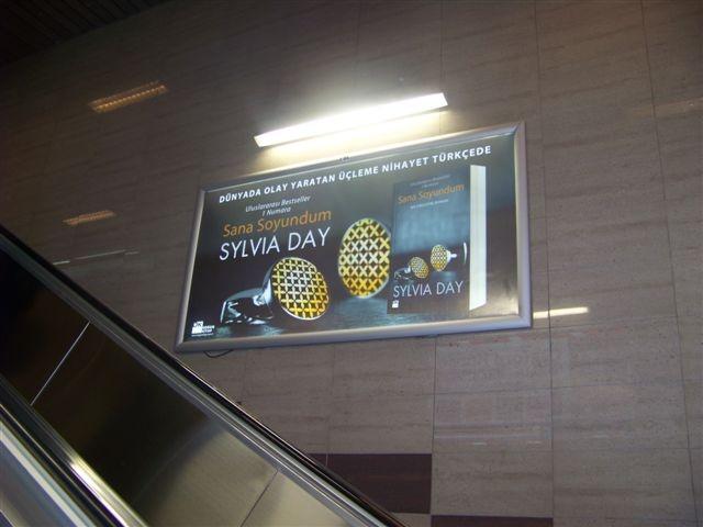Sana Soyundum-metro