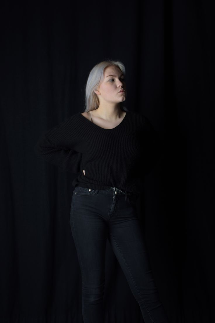 Low Key #lowkey #dark #photograph #studio #studiophoto #girl #black #boss #girlpower #vilmamoquist
