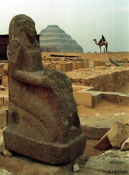 Saqqara (Egipto). Ruinas y restos arqueológicos recientemente excavados en la zona al sur del Complejo Funerario de Zoser.